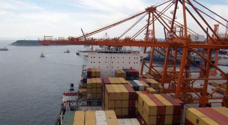 Νέο ρεκόρ διακίνησης containers από το λιμάνι του Πειραιά το 2017