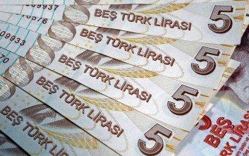 Handelsblatt: Η τουρκική λίρα καταρρέει