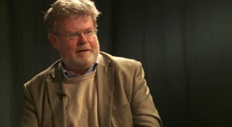 Διάλεξη του Τζων Μίλμπανκ στο Megaron Plus: «Μεταφιλελευθερισμός, λαϊκισμός και η Αριστερά»