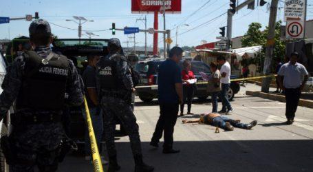 Μεξικό: 20 πτώματα, 17 από αυτά απανθρακωμένα, σε φρικαλέα μάχη συμμοριών κοντά στα σύνορα με τις ΗΠΑ