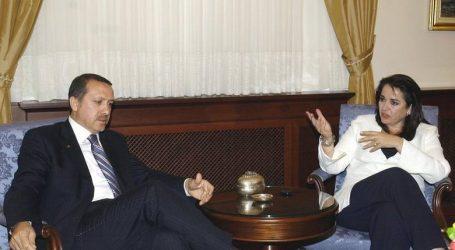 Μπακογιάννη: Θα παραστώ στη ορκωμοσία Ερντογάν για να συμβάλλω στο θέμα των 2 Ελλήνων στρατιωτικών που κρατούνται στην Ανδριανούπολη