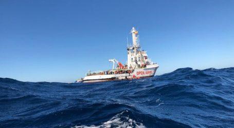 Παρέμβαση Γκιρ για τους πρόσφυγες στο σκάφος της Open Arms