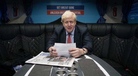 Μπόρις Τζόνσον ενανατίον BBC, με την κατηγορία ότι μερολήπτησε κατά των Τόρις κατά τις βουλευτικές εκλογές – Το απειλεί με αποκοπή επιχορήγησης