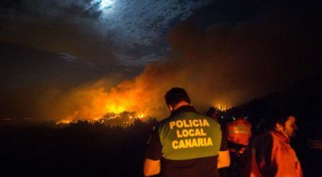 Ισπανία: Στο έλεος της πυρκαγιάς το Γκραν Κανάρια – Πάνω από 4.000 άνθρωποι απομακρύνθηκαν από τη ζώνη της μεγάλης πυρκαγιάς