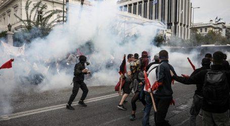 Επεισόδια έξω από τη Βουλή από το φοιτητικό συλλαλητήριο