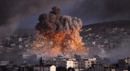 Συρία: Χιλιάδες τρέπονται σε φυγή για να γλυτώσουν τους βομβαρδισμούς