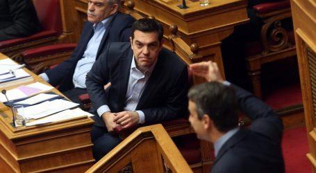 Έντονη αντιπαράθεση στη Βουλή – Τσίπρας: Στις 20 Αυγούστου η Ελλάδα βγαίνει καθαρά από τα μνημόνια