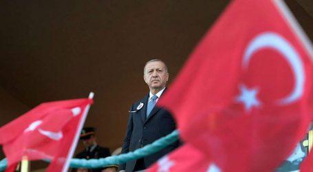 Συνεχίζει να εξευτελίζει τις ΗΠΑ ο Ερντογάν |  Αντίποινα στις αμερικανικές κυρώσεις