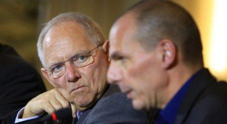 FAZ: Επαναφέρει σενάρια για Grexit – Διχασμός στον γερμανικό Τύπο σχετικά με το αν πέτυχαν τα μνημόνια, ή όχι