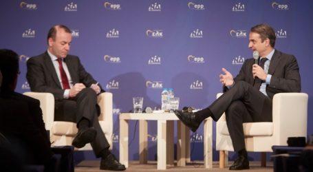 Βέμπερ: Χρειαζόμαστε μια νέα κυβέρνηση στην Ελλάδα